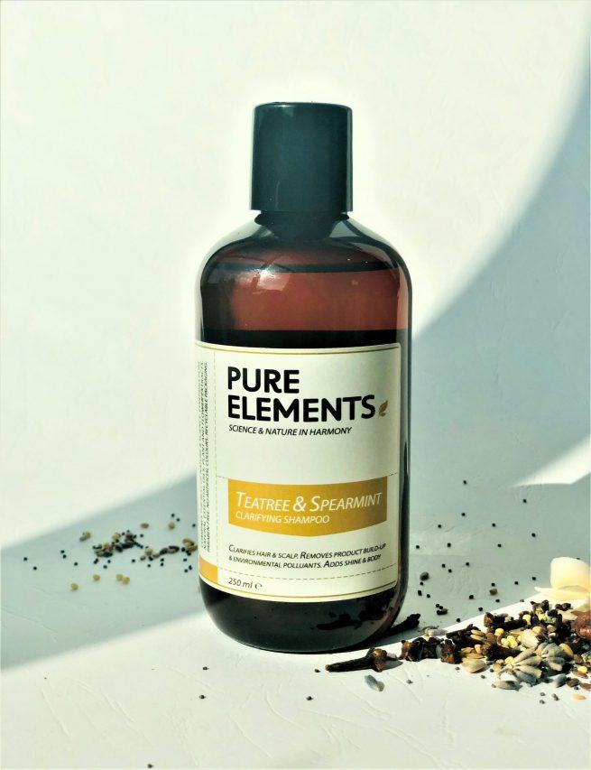 Pure Elements TeaTree & Spearmint Clarifying Shampoo plaukus valantis arbatmedžio ir šaltmėtės šampūnas